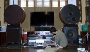 """Cái duyên """"lạ"""" trong nghề chơi âm thanh"""